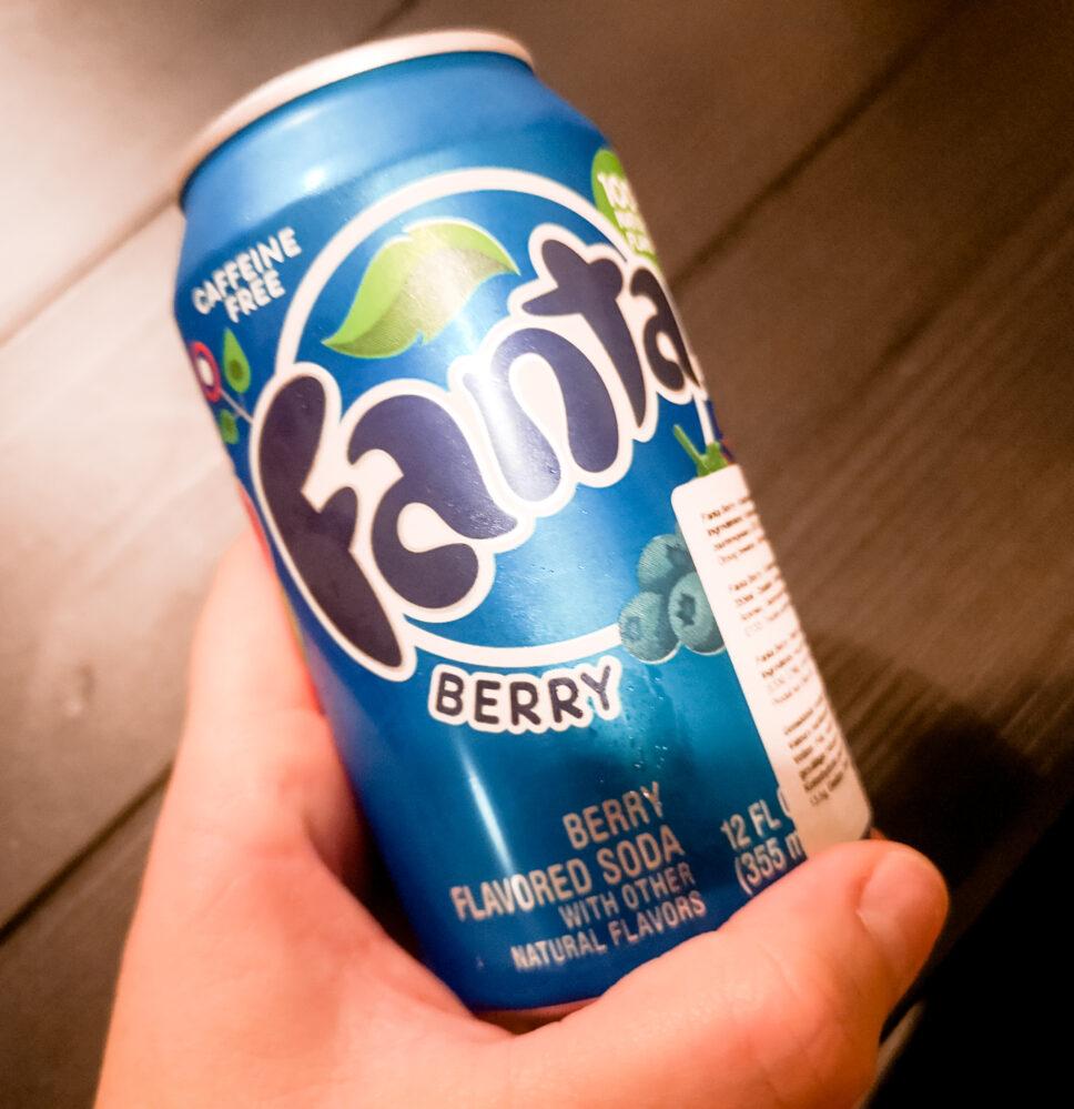 6 verschillende Fanta smaken | Fanta - Berry / Blauwe bes