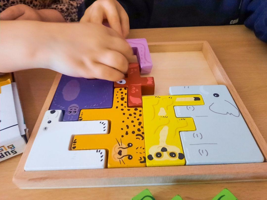 Superblocco gekleurde speelblokken spel
