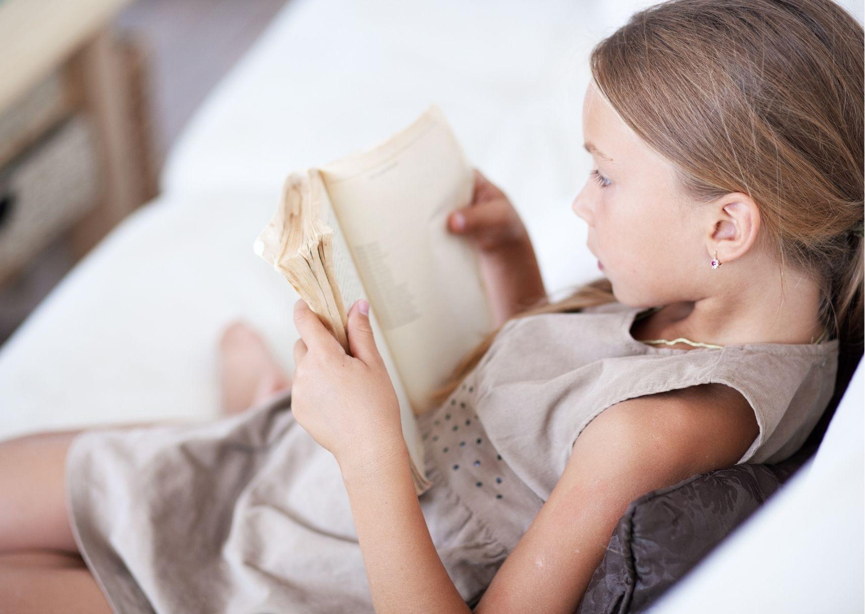 Lezend kind | 9 tips om je peuter te laten praten